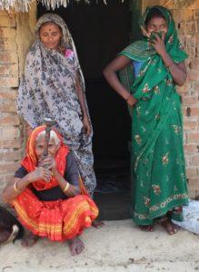 offrir une formation professionnelle pour filles en Inde carte femmes du village