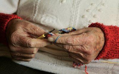 Animer des ateliers créatifs en maison de retraite